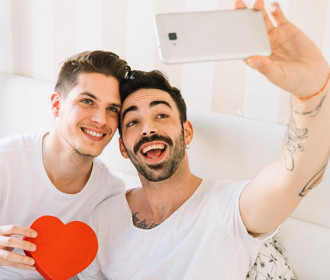 Grindr Review: Just Fakes Or Real Dates?